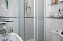 En-suite to triple/large double/twin